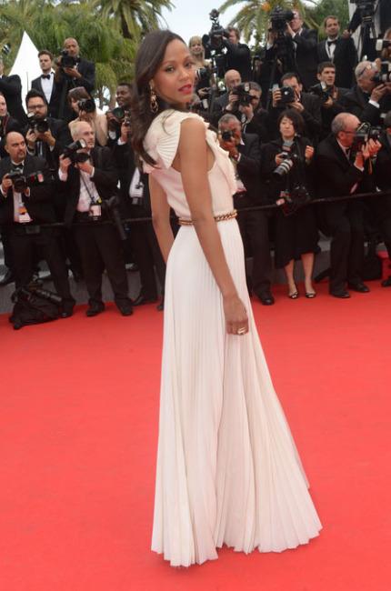 Zoe Saldana illumina Cannes