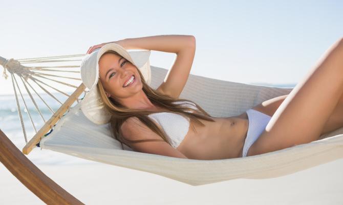 ragazza in bikini