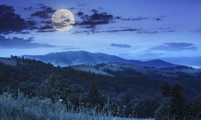 L'incredibile fascino della luna piena