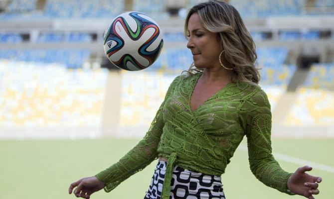 J-Lo vs Shakira: We are One non batte la Waka Waka