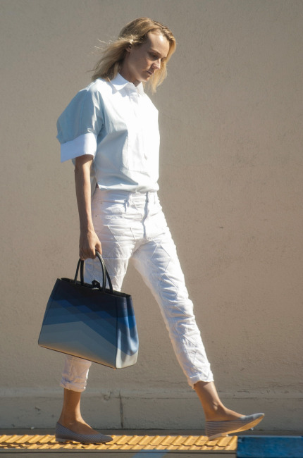 Diane Kruger, borsa marina per le strade di Los Angeles