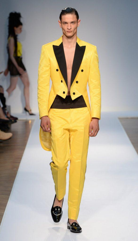 Giacca e pantaloni Moschino