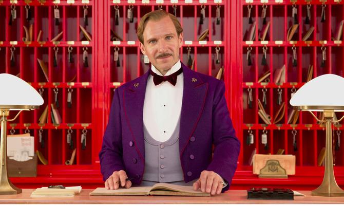 Ralph Fiennes folle portiere d'albergo