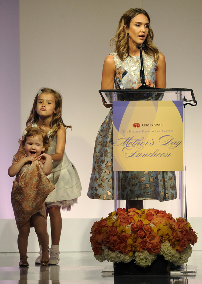 Jessica Alba con le figlie