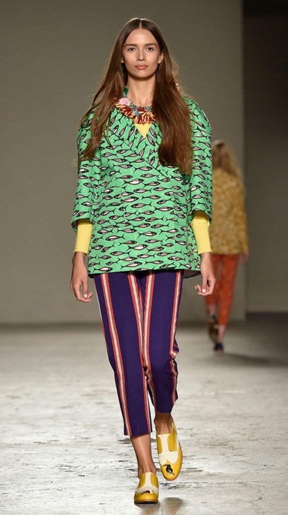 Giacca, top e pantaloni Stella Jean