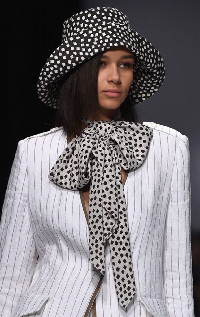 Cappello e foulard Max Mara