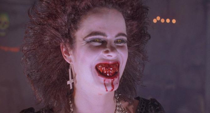 5. La notte dei demoni (1988)