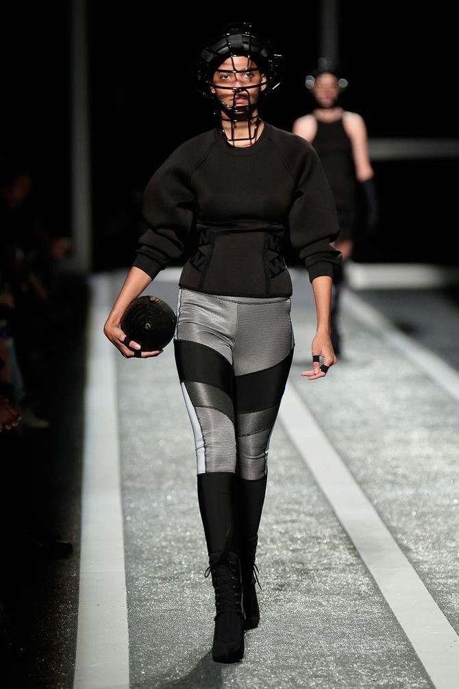 Felpa e pantaloni Alexander Wang per H&M