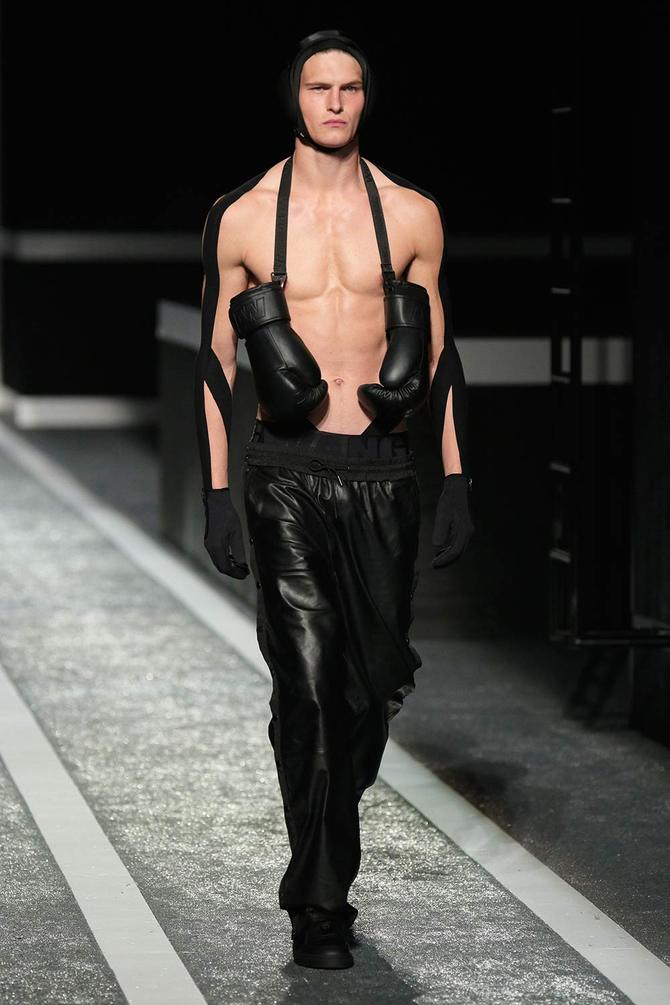 Pantaloni Alexander Wang per H&M