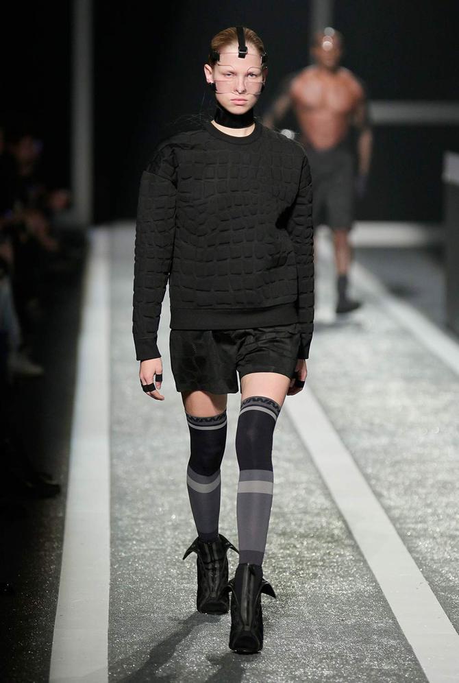 Felpa e shorts Alexander Wang per H&M