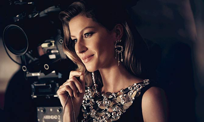 Gisele incanta nel video per Chanel n°5