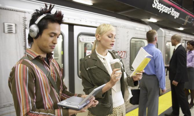 Lettura sui mezzi pubblici