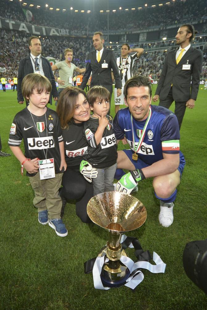 Buffon e Alena Seredova e figli