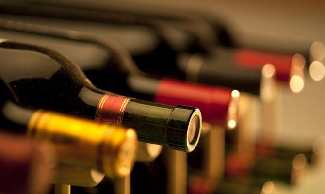 Vini, bottiglie, etichette