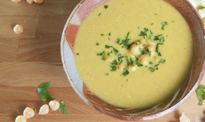 Crema di ceci, una zuppa che nutre e riscalda