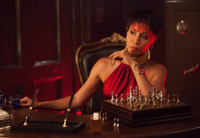 9 - Jada Pinkett Smith gangster a Gotham City