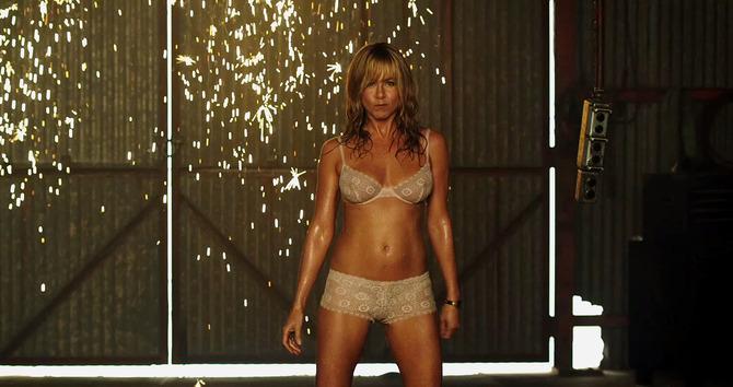 Jennifer Aniston spogliarellista ultraquarantenne