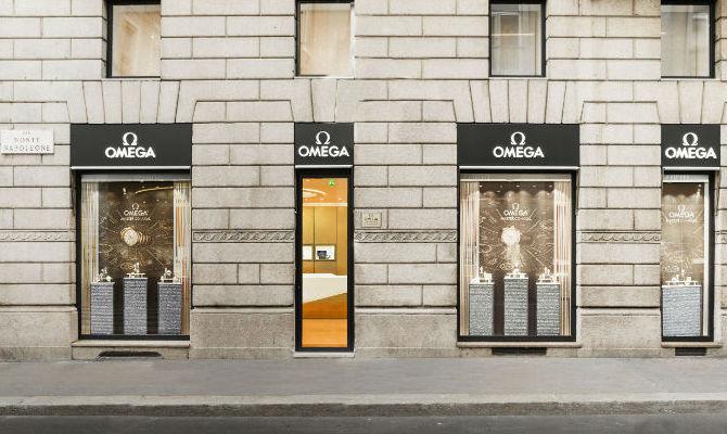 Omega muove e riapre in centro a Milano