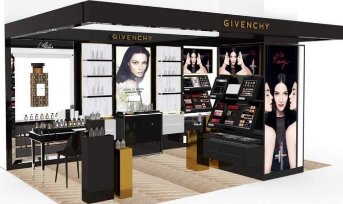 Givenchy, profumo di novità a Firenze