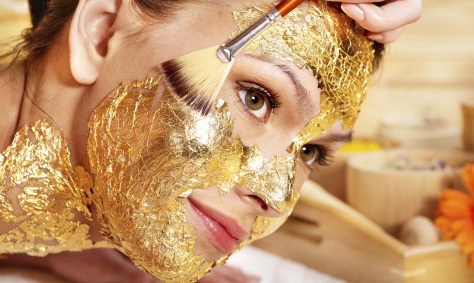 Trattamenti di bellezza con l'oro