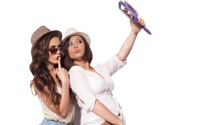 Selfie-mania: gli attrezzi del mestiere