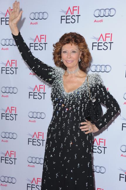 Sofia Loren, glamour senza tempo per l'attrice