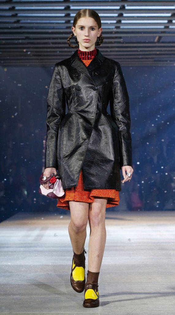 Cappotto e abito Esprit Dior