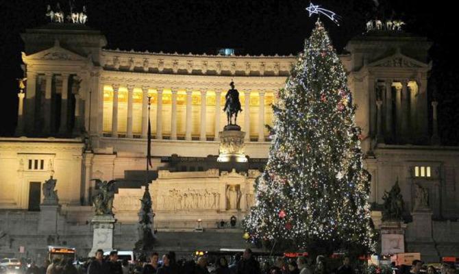 Natale a Roma: luci, alberi e presepi