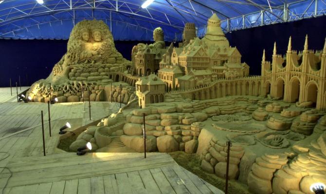 Presepi di sabbia; l'Italia di roccia onora la tradizione