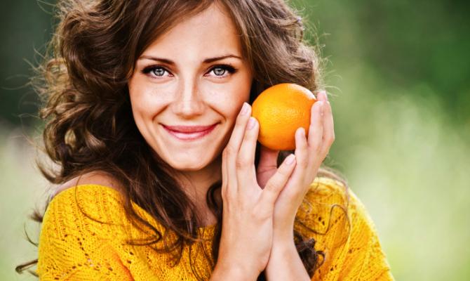 Macedonia di bellezza: frutta per la pelle