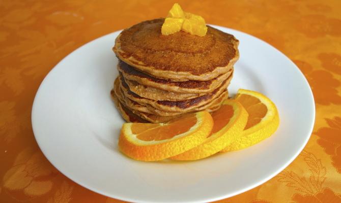 Pancake con scorza d'arancia. Ricetta veg