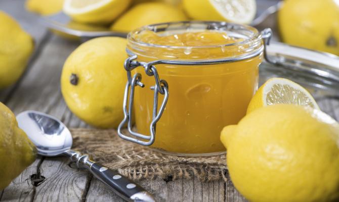 frutta cotta, limoni cotti con zucchero