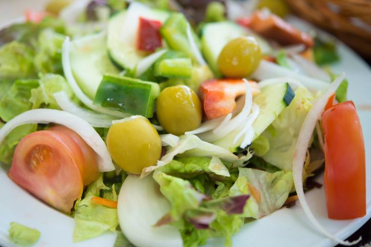 Insalata rigenerante per rimettersi in forma con il cibo