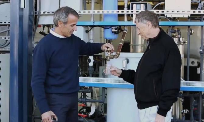 Trasformare feci in acqua si può: parola di Bill Gates