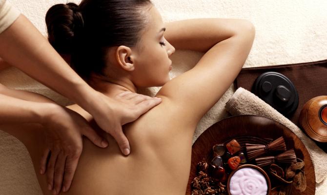 Massaggio estetico: un toccasana per viso e corpo