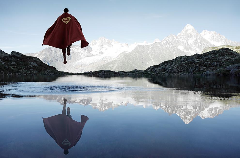 Supereroi, soli e riflessivi. Come non li avete mai visti