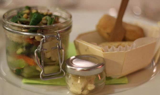 Insalatina di verdure con burro di tartufo