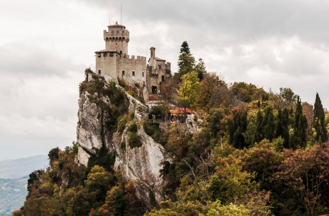 Repubblica di San Marino 61 km2