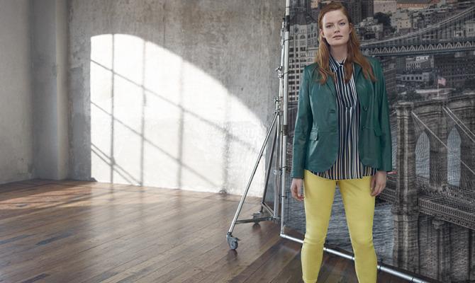 Marina Rinaldi, la fluidità in colori e tessuti