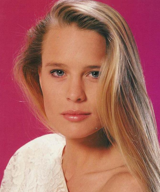 Nei panni di Kelly Capwell Perkins in Santa Barbara (1984 - 1988)