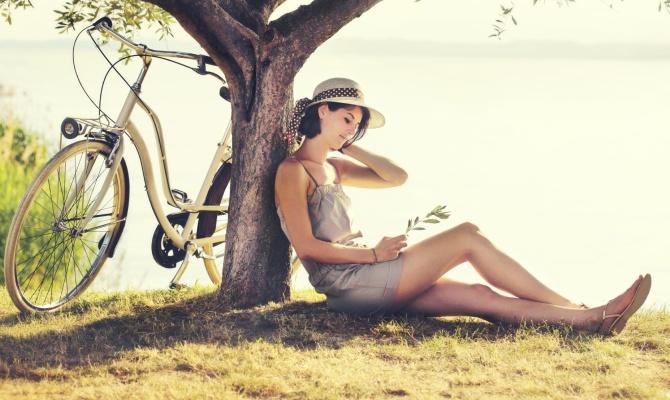 donna, fiume, bicicletta, Relax e cicloturismo