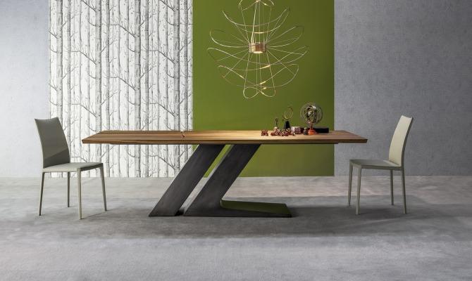Tavoli di design le novit per il salone for Tavoli di design in ferro