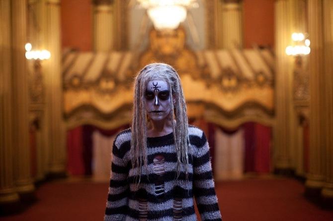 Sheri Moon Zombie e la perdita della ragione in Le streghe di Salem