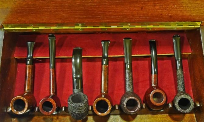 Le pipe di Pertini e Bearzot in mostra a Napoli