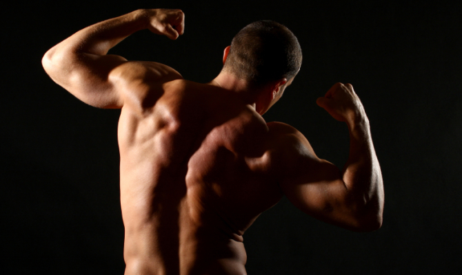 'Muscoli' non fa rima con 'virilità'