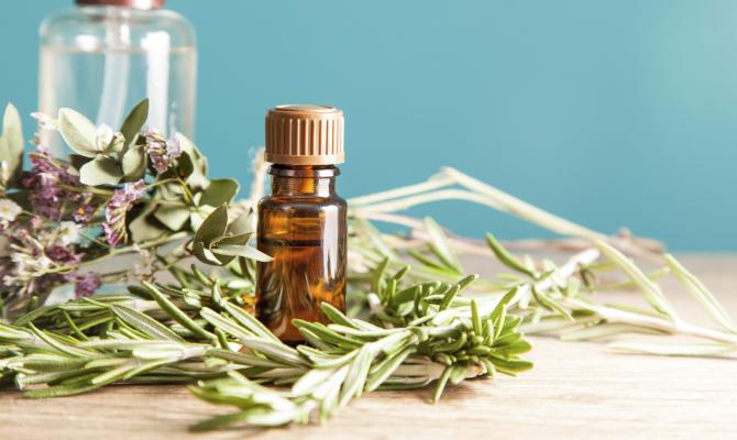 olio a base di pianta aromatica