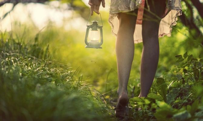 Barefooting: l'energia arriva dalla terra