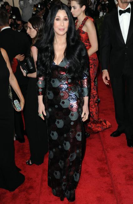 Cher, outfit