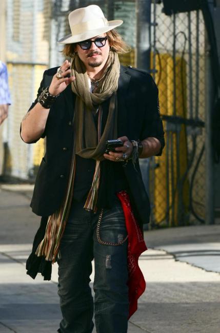 Il pirata Depp compie gli anni e si reinventa con Dior