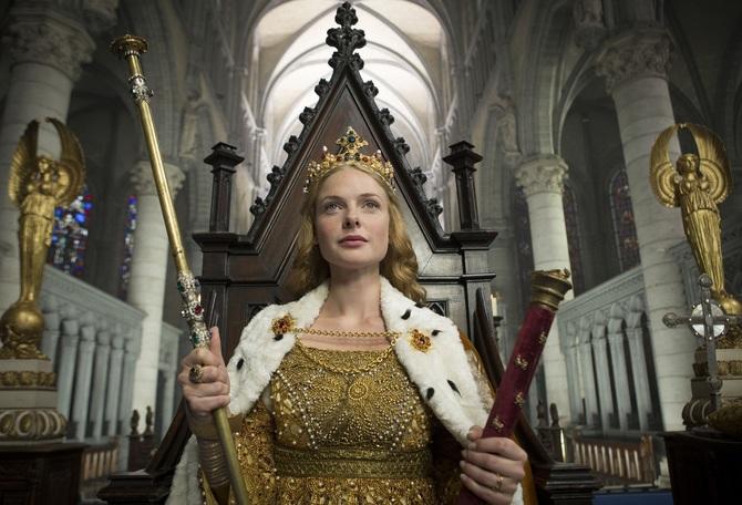 Rebecca Ferguson sul trono d'Inghilterra